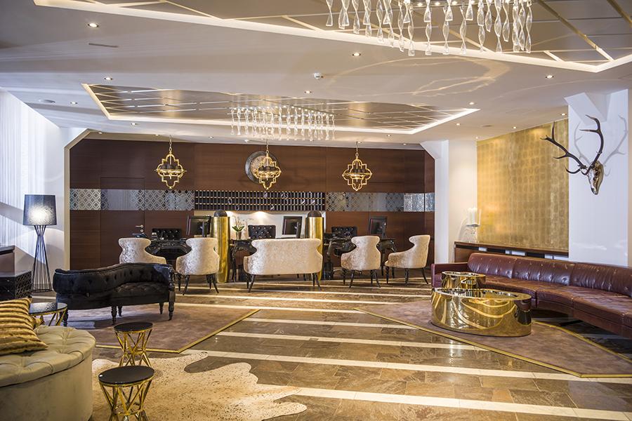 Hotel The Crystal-reception © mindpark_Daniel Zangerl
