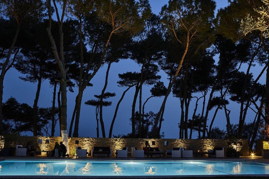 Outdoor Pool Praia Art Resort