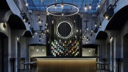 Bar MOON Club & Lounge