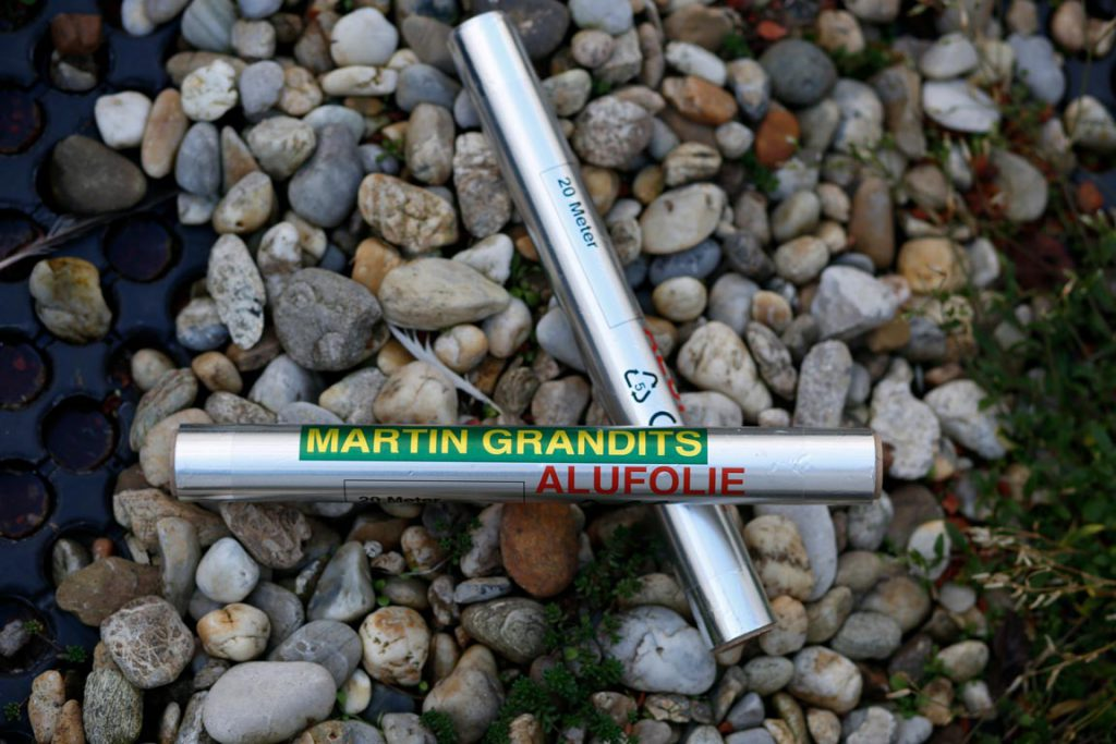Alufolie von Martin Grandits, Coverstory: What is of value to me?