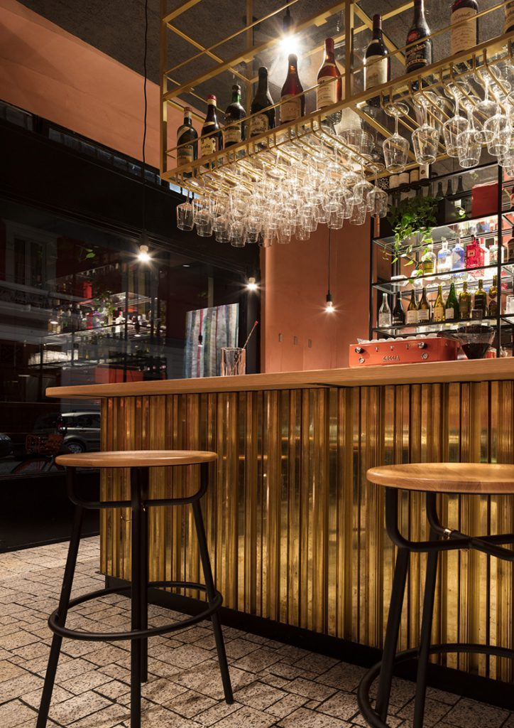 Die Bar im Rost