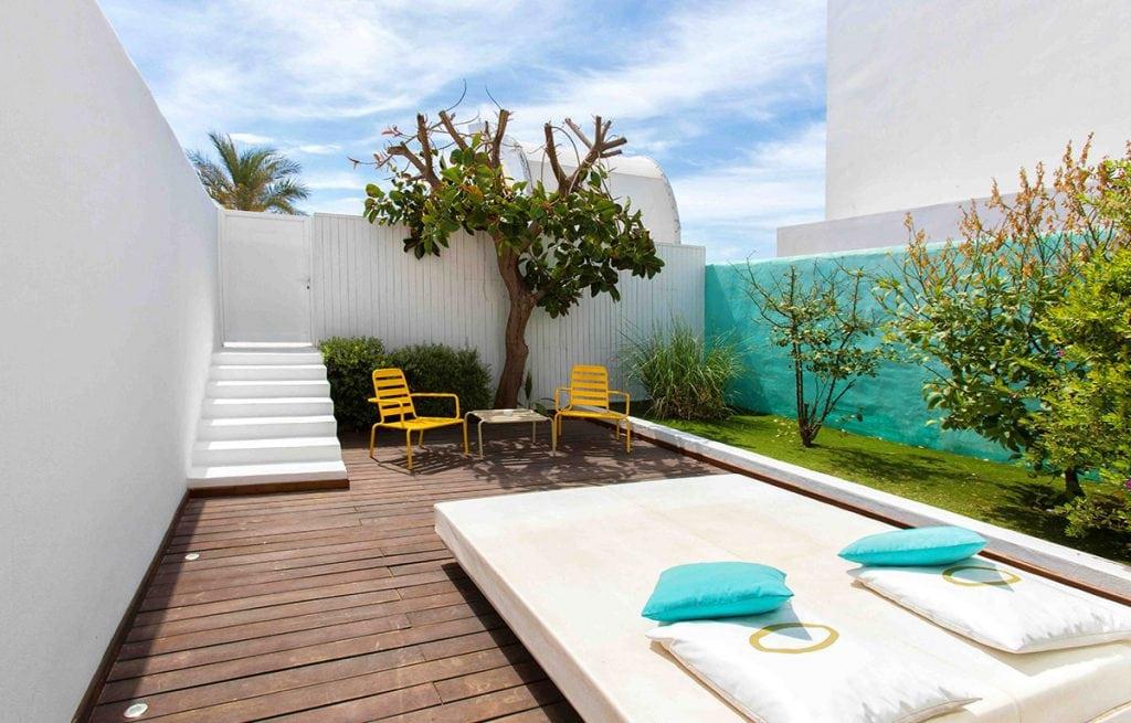suite outdoor