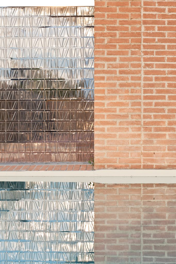 Tile glass wall by Fabbian