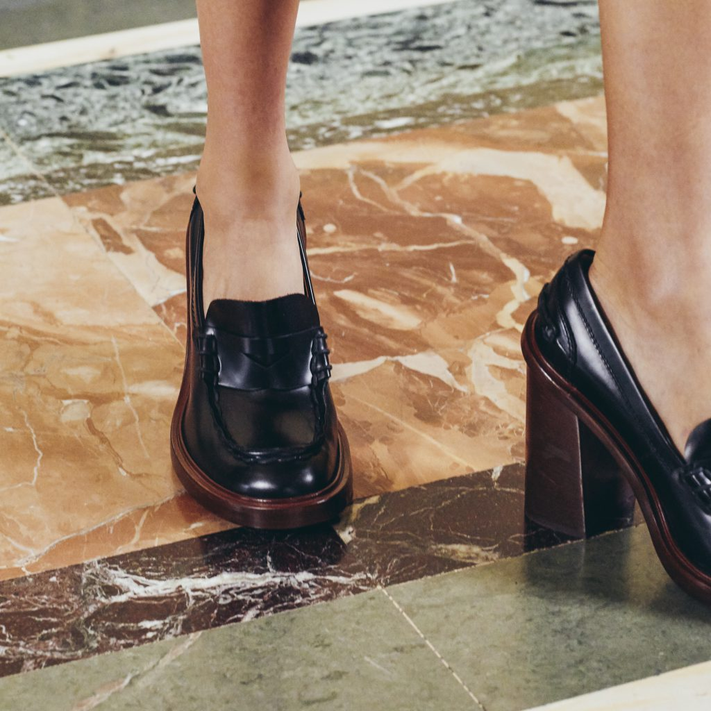 TOD'S in a moment: women's collection F/W 21/22